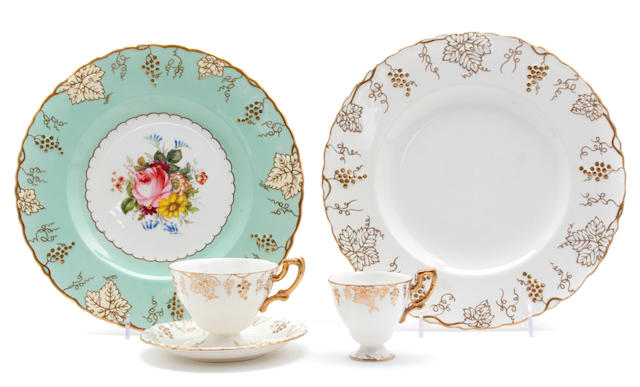 A Royal Crown Derby part service in the 'Vine' patterns