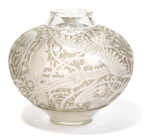 A René Lalique molded glass vase: Aras (Marcilhac 919), model introduced 1924