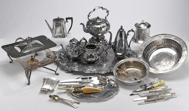 A quantity of plated table articles and flatware from 19th and 20th centuries