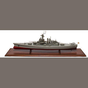 Cased Ship model of battleship USS North Carolina