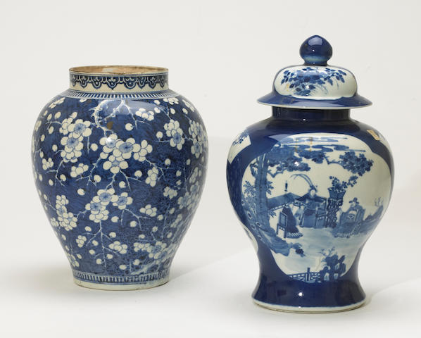 Two Chinese blue and white porcelain jars