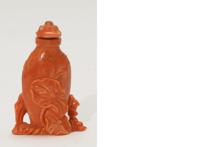 A coral snuff bottle