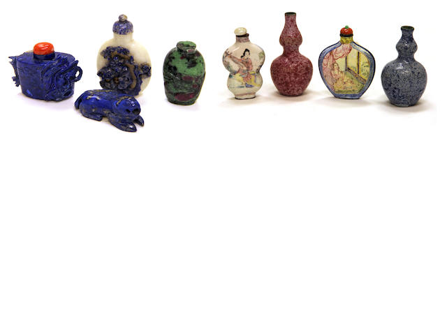 A group of six snuff bottles 19th-20th century