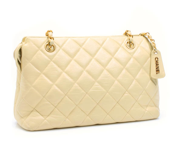 A Chanel beige quilted leather handbag