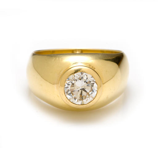 A diamond solitaire ring, French