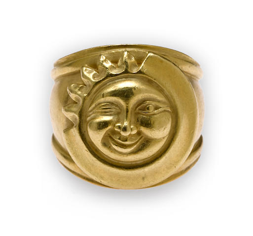 An eighteen karat gold sun and moon ring, Kieselstein-Cord,