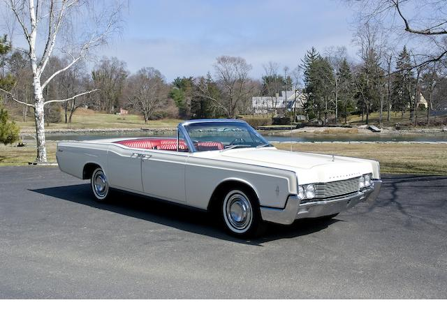 1966 Lincoln Continental Convertible  Chassis no. 6Y86G434635