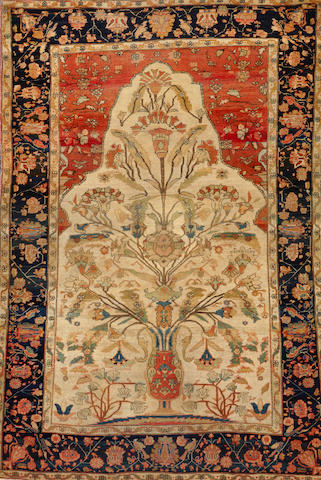 A Mohtasham Kashan rug Central Persia size approximately 4ft. 2in. x 6ft. 3in.