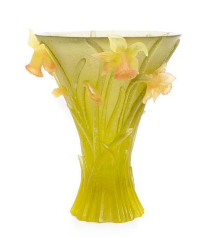 A Daum pâte de verre Daffodil vase modern