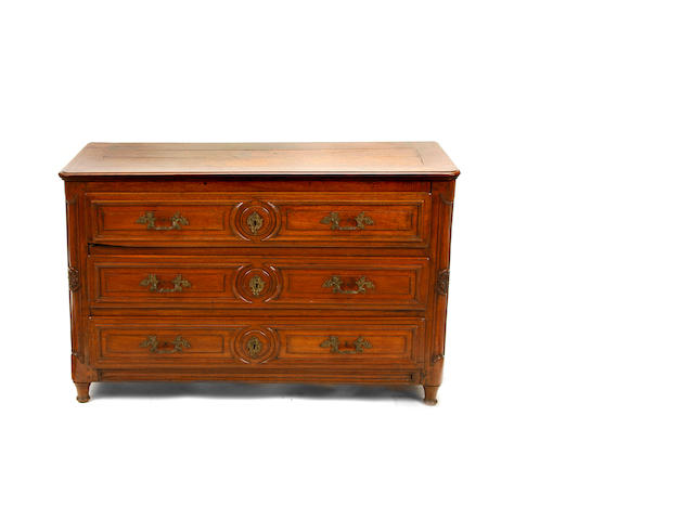 A French Provincial commode