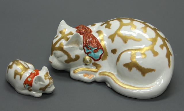 Two Kutani gilt and enameled porcelain cats 20th century