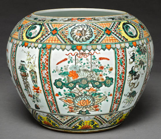 A large famille verte enameled porcelain fish bowl Late Qing/Republic period