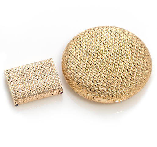A fourteen karat gold basket-weave pillbox together with an eighteen karat gold compact of similar motif