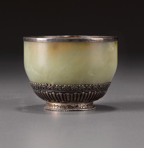 A jade and silver cup Tibet, 18th/19th century