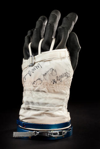 "COSMONAUT KALERI'S TRAINING SUIT GLOVE. Left hand glove from a ""Sokol KV-2"" (""Falcon"" in Russian) pressure suit, manufactured by Zvezda."