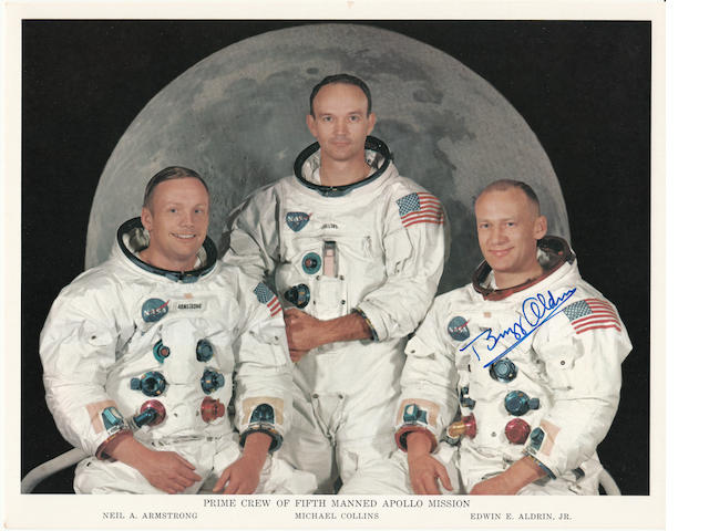 THE APOLLO 11 CREW. Color photolithograph, 8 x 10 inches.