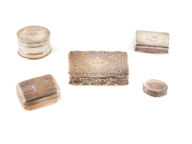A group of English sterling silver boexes, viniagrettes, snuff box and nutmeg grater