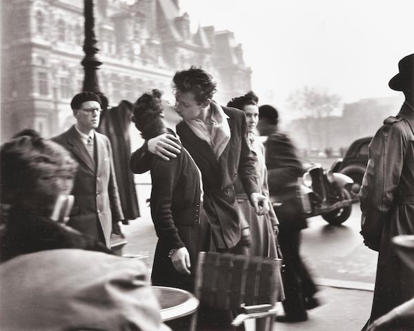Robert Doisneau (1912-1994); Le Baiser de l'Hôtel de Ville;