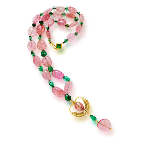 An emerald and pink tourmaline bead pendant necklace