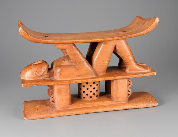 Ashanti/Ashante Figural Stool, Ghana height 14in (35.5cm); width 20in (51cm)