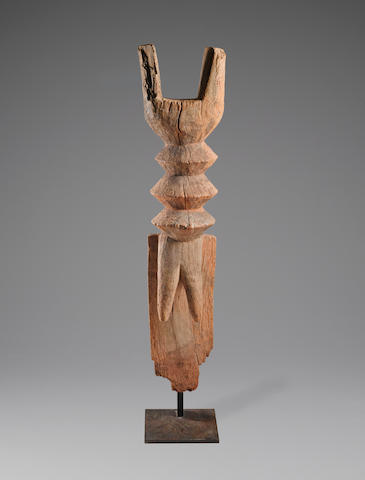 Mossi Housepost, Burkina Faso height 41in (104cm)