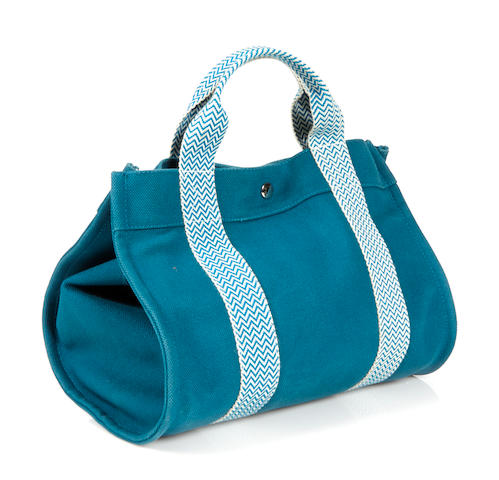An Hermès blue canvas beach handbag