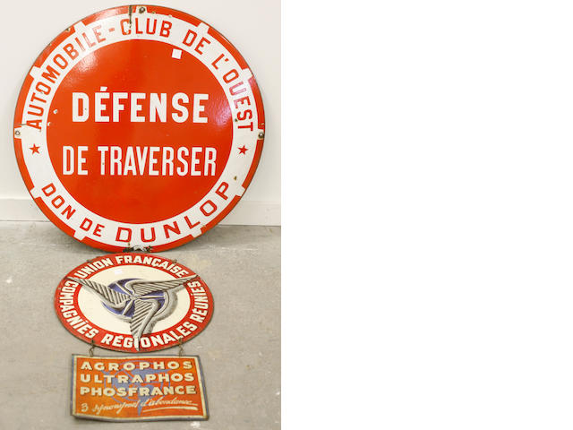 An Automobile Club de Louest sign,