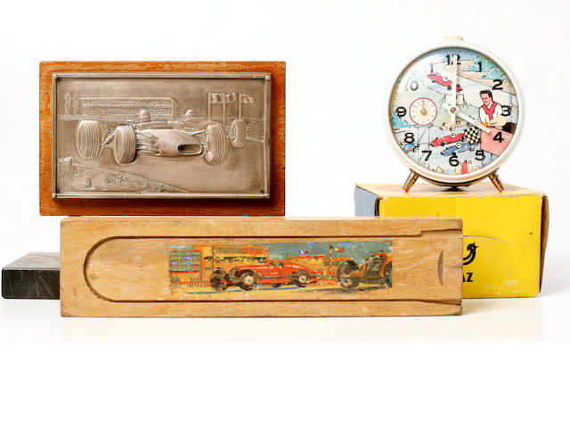 A mixed grouping of collectible Grande Prix Automobilia,
