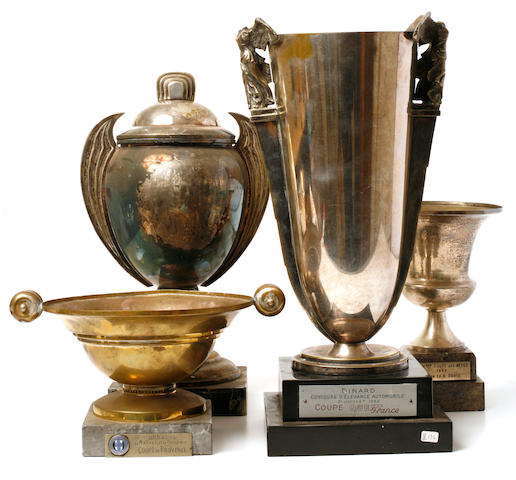 A mixed groupings of vintage trophies,
