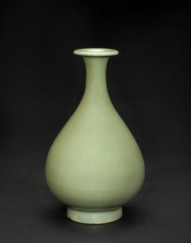 A Longquan celadon bottle vase, yuhuchunping Yuan/Ming dynasty