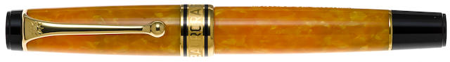 AURORA: Sole Giallo Limited Edition 7500 Fountain Pen