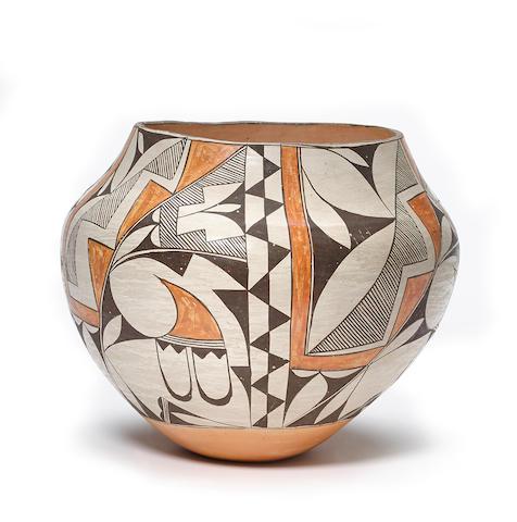 An Acoma polychrome jar