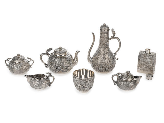 A seven-piece silver tea service By the Konoike company, Meiji period (late 19th/early 20th century)