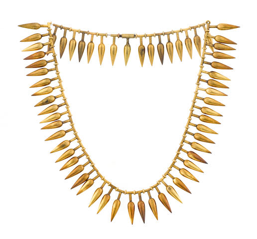 An eighteen karat gold fringe necklace