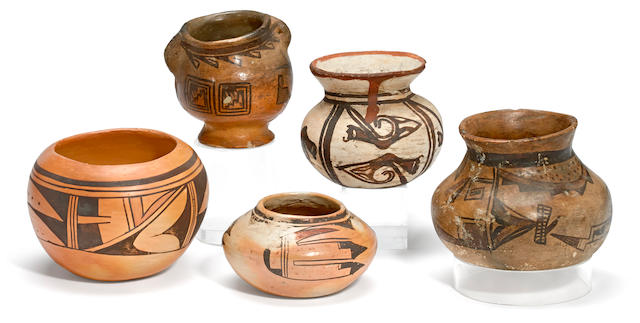 Five Polacca and later Hopi vessels