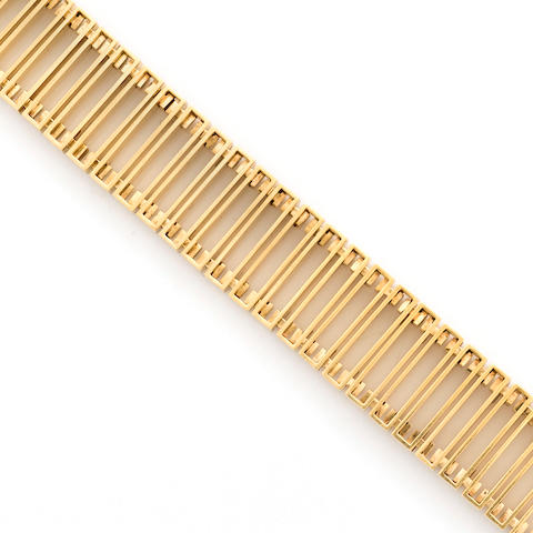 An eighteen karat gold fancy link bracelet, Burch-Korrodi,
