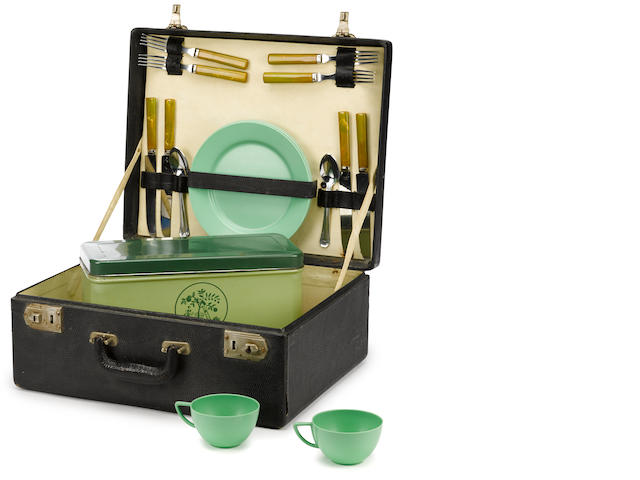 A four person picnic set,