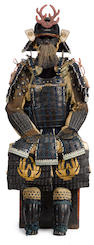 A black lacquer armor with a mogami do Muromachi period (16th century), the shikoro later