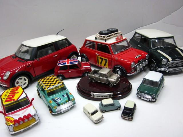 A comprised lot of various 'Mini' models.