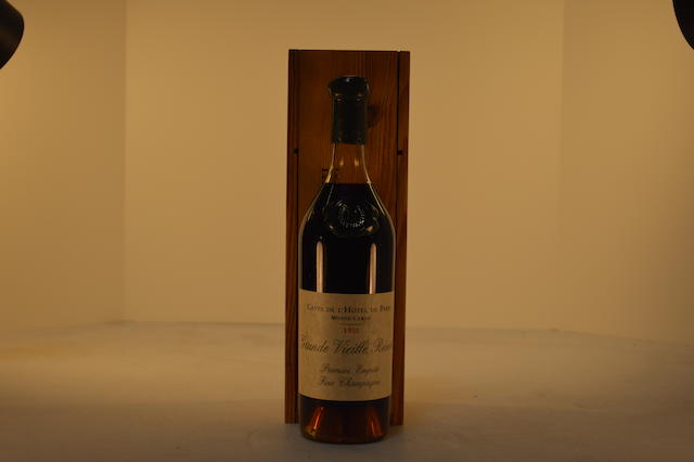 Caves de L'Hotel de Paris, Monte Carlo, 1911, Grande Vielle Reserve, Premier Empire, fine champagne with wood box