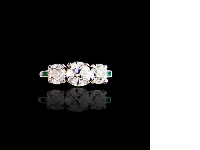 A three stone diamond ring, Jabel