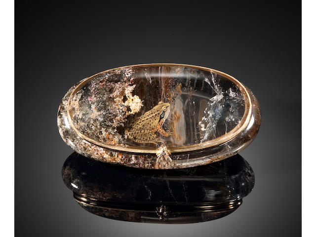 "Reverse Painted ""Included"" Quartz Box Depicting Two Frogs with 18k fittngs"