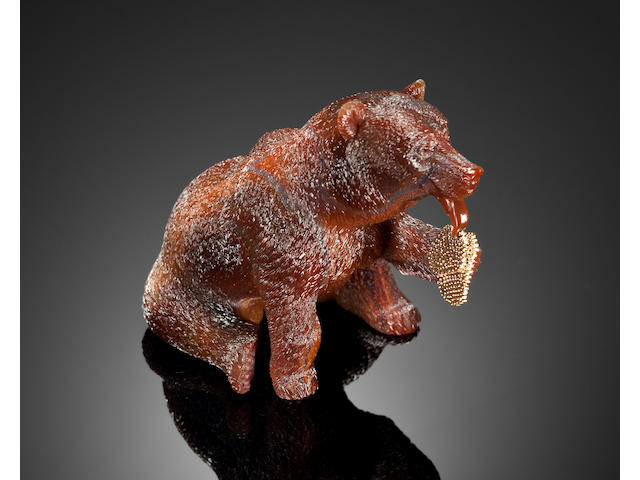 Museum-Quality Agate Carving of a Bear