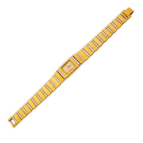 Piaget. A fine 18K gold and diamond lady's bracelet watch15201-C606-497271