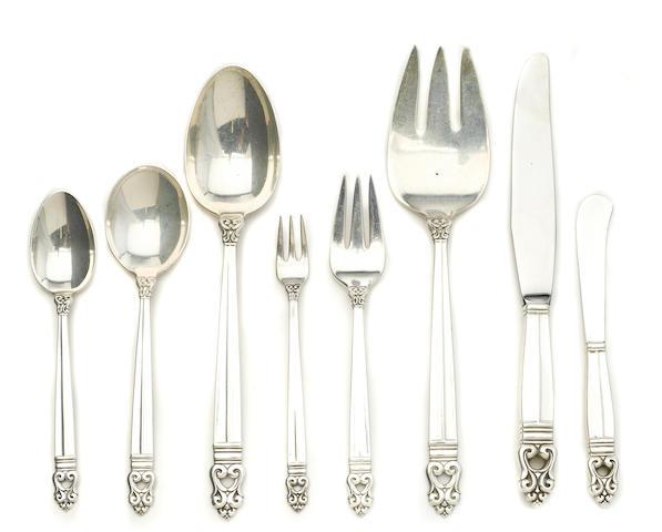 An American sterling silver flatware service by International Silver Co., Meriden, CT, 20th century