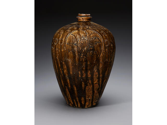 A large and rare Ko-Seto heishi (flask) Kamakura period (early 14th century)