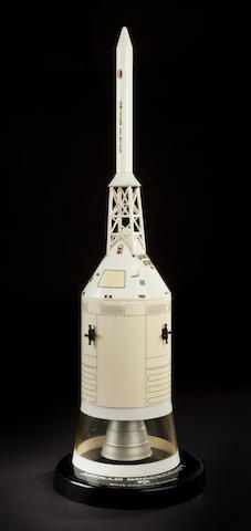 OFFICIAL CONTRACTOR SPACECRAFT MODEL ISSUED BY NORTH AMERICAN ROCKWELL. THE VEHICLE THAT COMPLETED JFK'S GOAL – TO RETURN SAFELY TO THE EARTH.