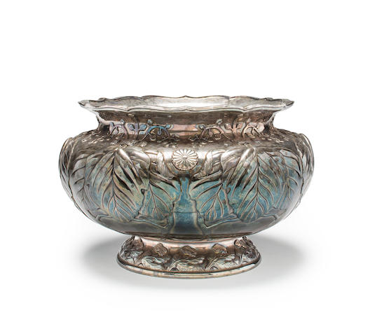 A large and impressive Imperial presentation silver bowl By Hirata Shigemitsu VII, circa 1906