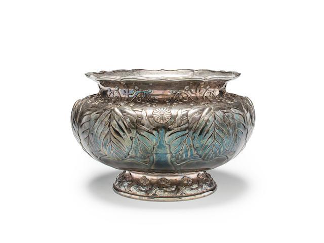 A large and impressive Imperial presentation silver bowl By Hirata Shigemitsu VII, circa 1906