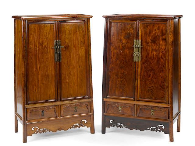 A pair of hardwood cabinets, yuanjiao gui